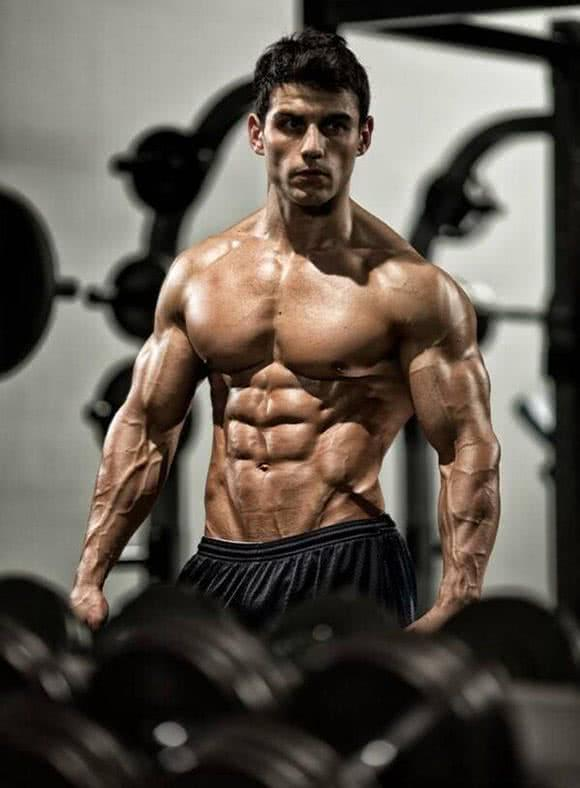 homme-fort-muscle