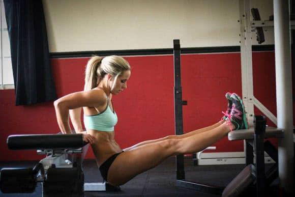 musculation-bras-femme