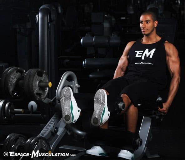 Le leg extension pour se muscler les quadriceps