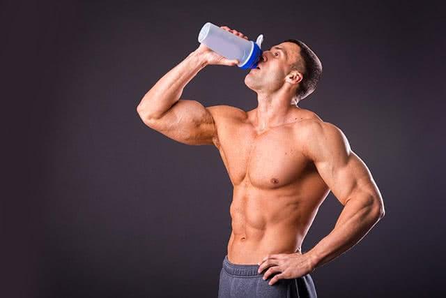 homme-shake-proteine