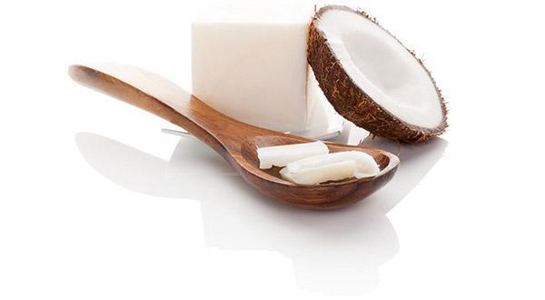 cuillere-huile-noix-de-coco