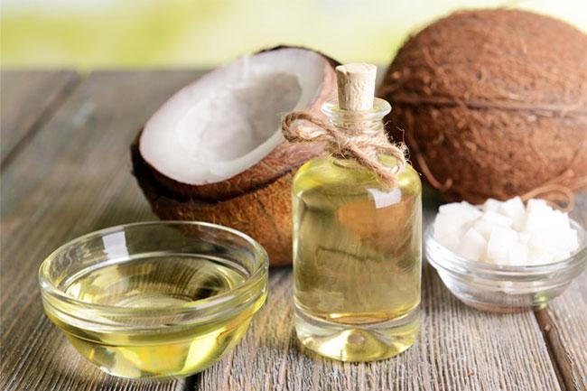 huile-noix-de-coco-liquide-solide