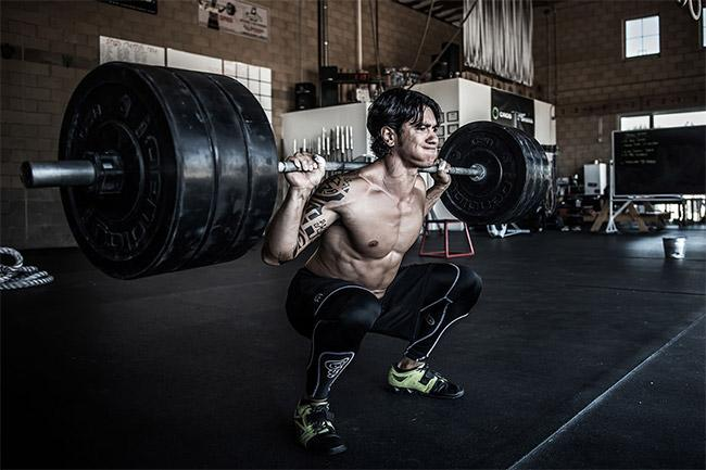 8 conseils de progression au squat pour en finir avec la stagnation