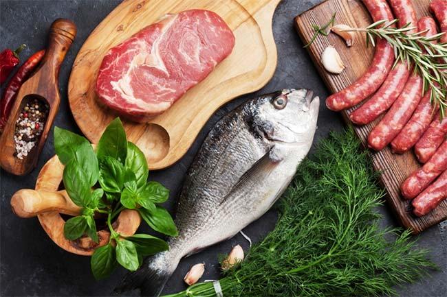 The carnivore diet (régime carnivore) : un régime cétogène 100% viande